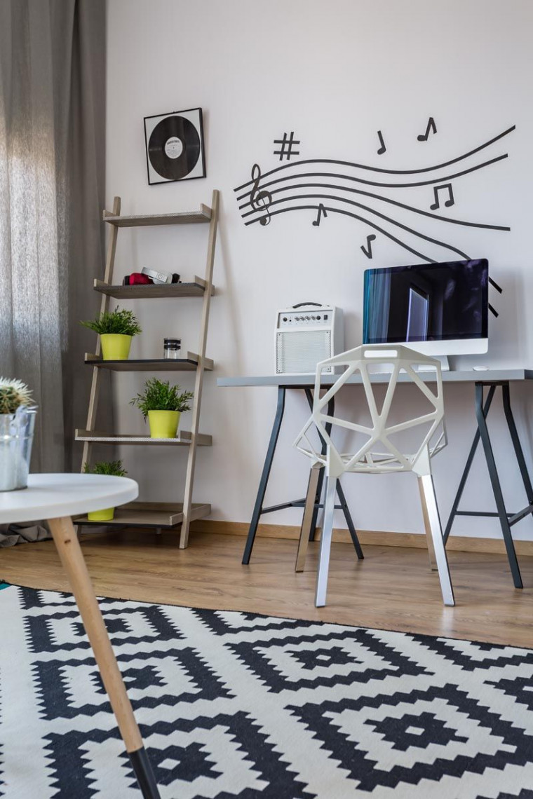 Decal, an Alternative to Wallpaper That is Rising in Popularity