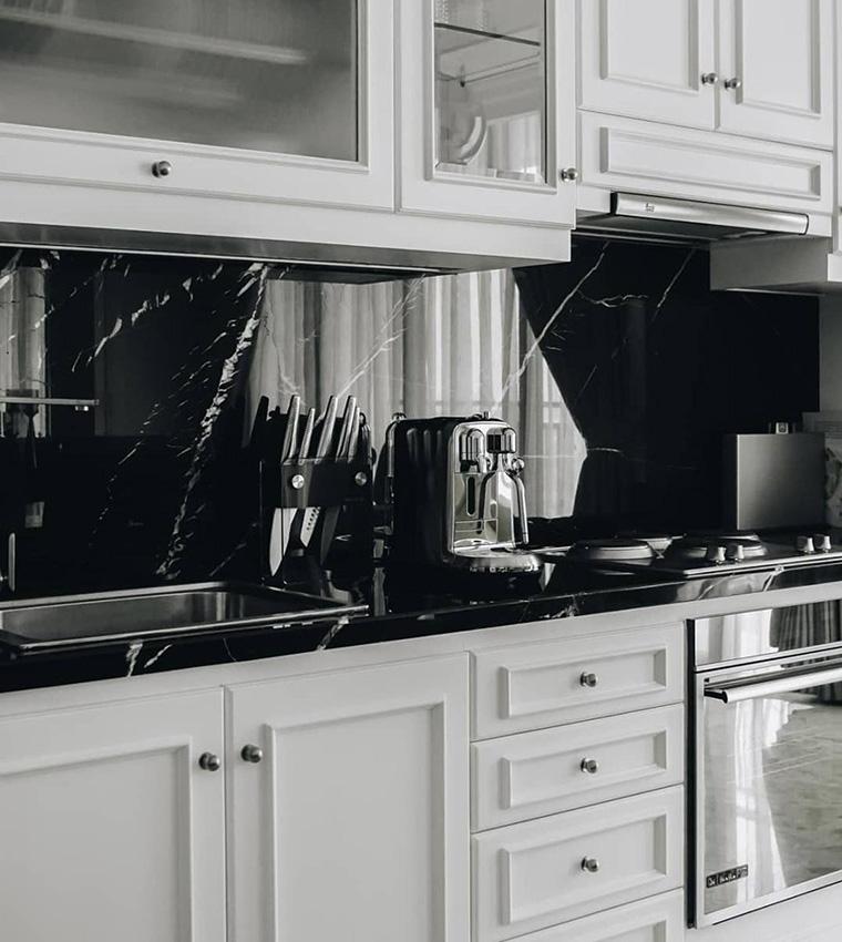 Mengenal Backsplash, Fitur Fungsional Sekaligus Estetis Dapur Anda