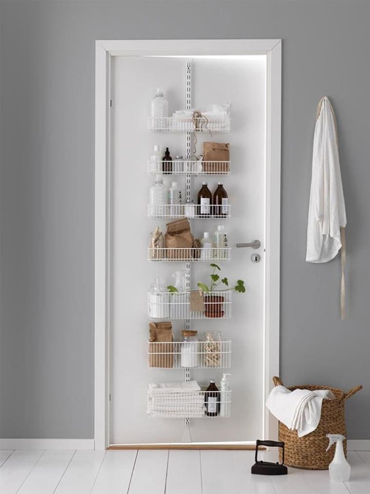 12 Foto Inspirasi Desain Rak Kamar Mandi untuk Buat Ruang ...