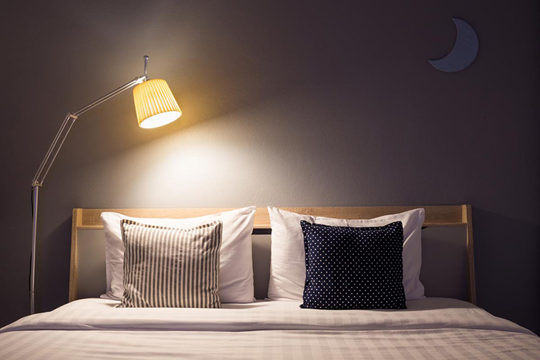 3 Jenis Lampu yang Perlu Anda Ketahui Agar Kamar Tidur Hangat
