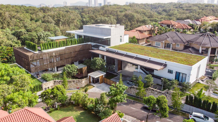 DCA Sets Up Multiple Pavilions for a Family Residence in Selangor, Malaysia