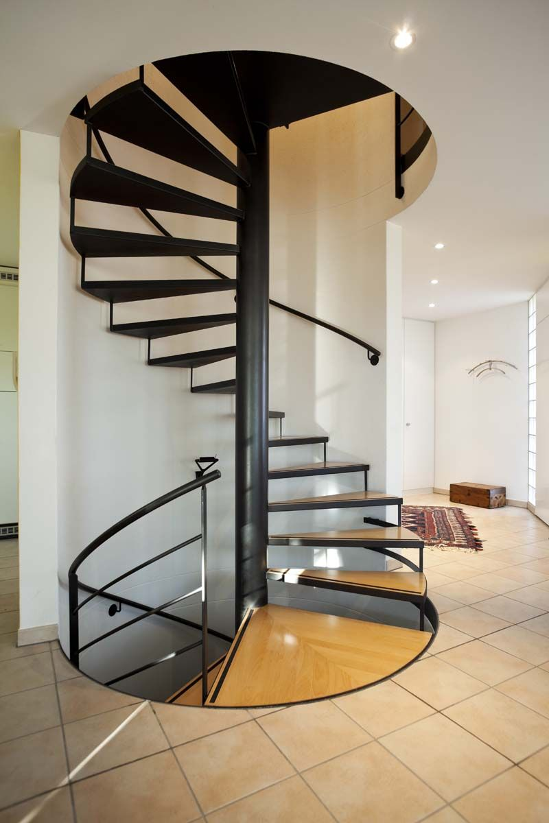 Five Reasons Why You Will Love Having Spiral Staircase in Your Home