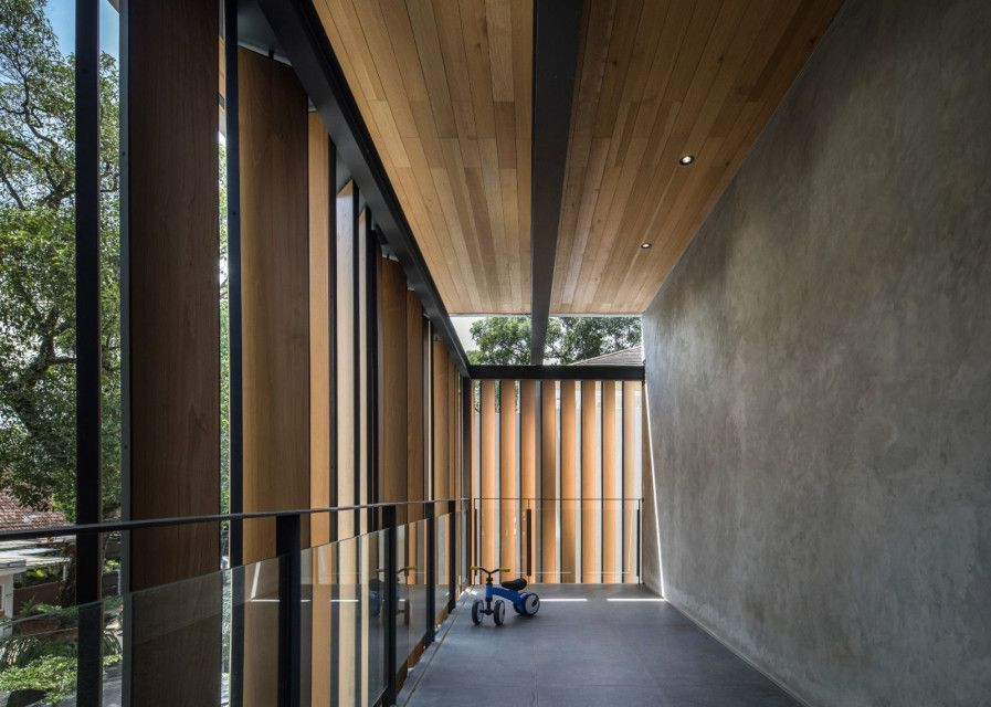 SN House Occupies Compact Needs in A Narrow Site Area