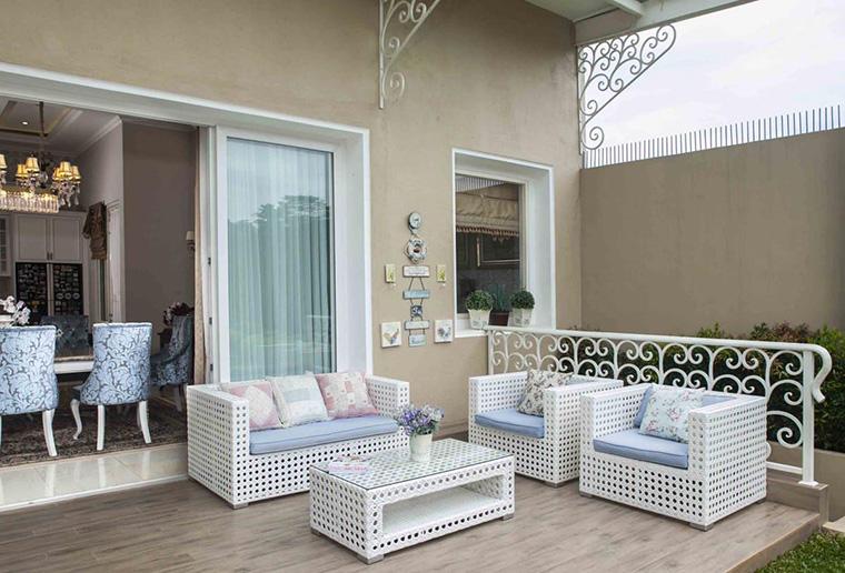 Top Desain Ruang Tamu Di Teras Rumah  6 inspirasi desain teras rumah agar acara berkumpul makin seru