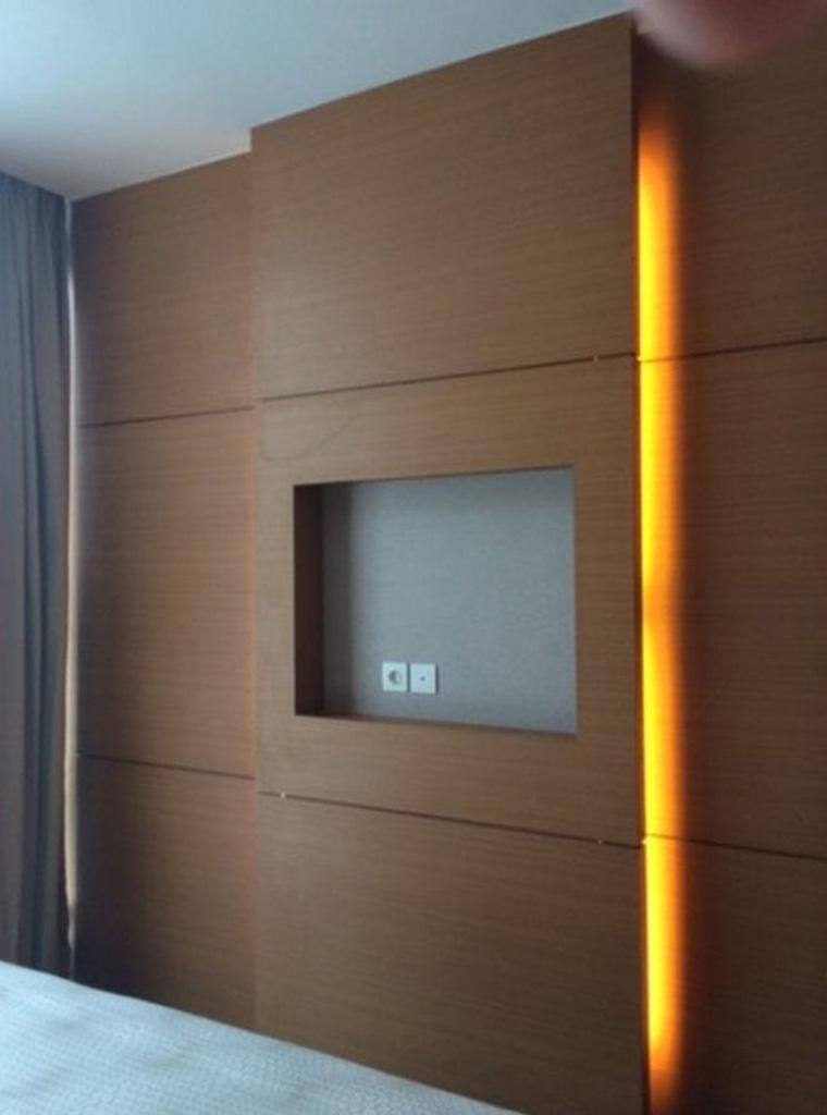 tips dan trik merancang pencahayaan ruang pada dinding Verde Apartment