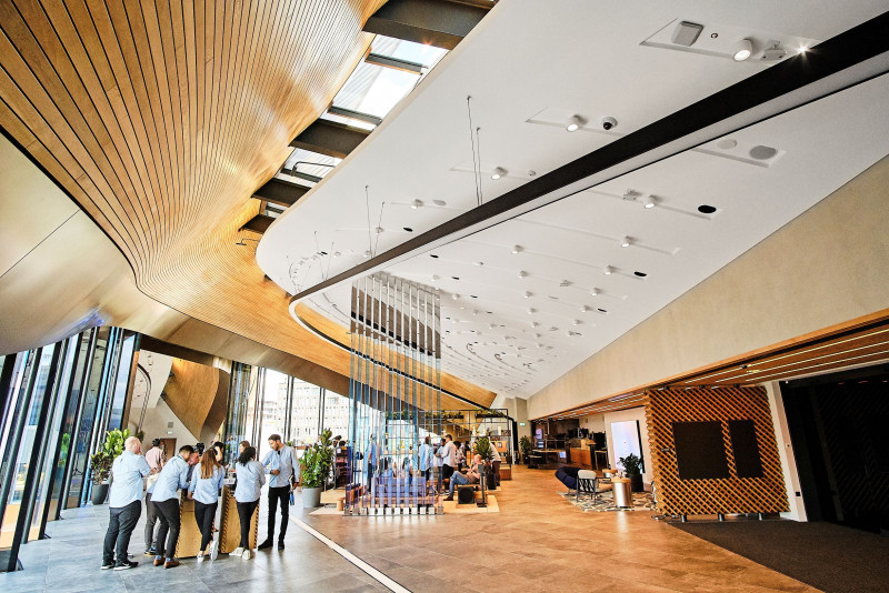 Samsung KX - Acoustic and architectural challenges met